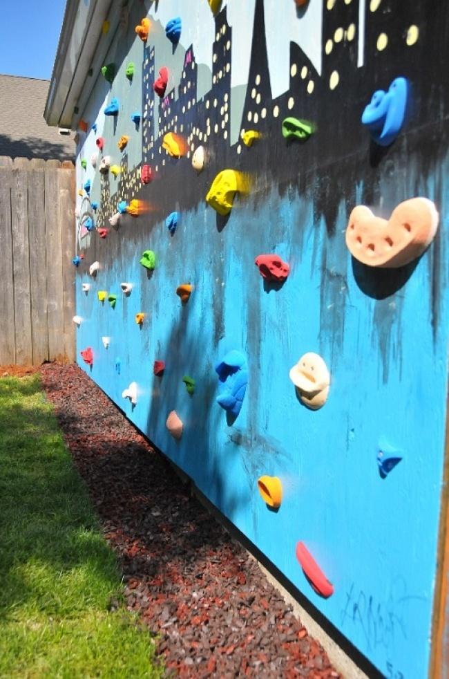 6012205-angle-shot-of-climbing-wall-FINAL-1470212410-650-46aab92b01-1471268392